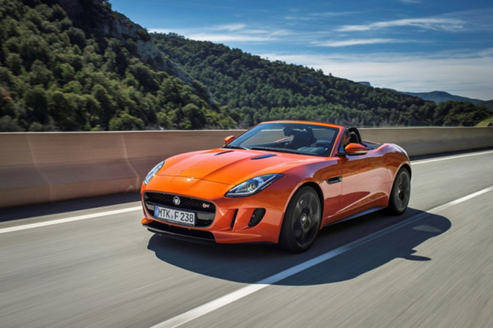 Фото новой модели авто Jaguar F-Type 2014 года