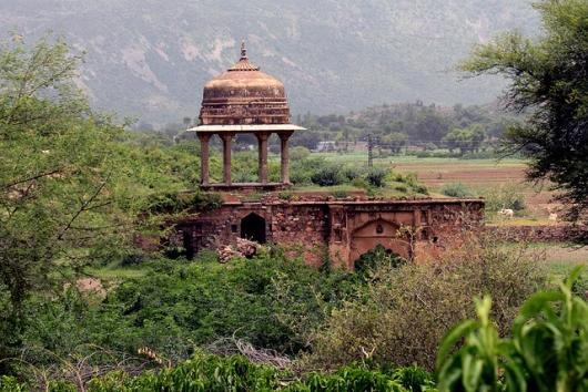 крепость Бхангар