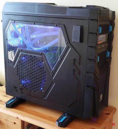 GAMER Phenom II X6 MODDING PC mit Wasserkühlung, GTX 580